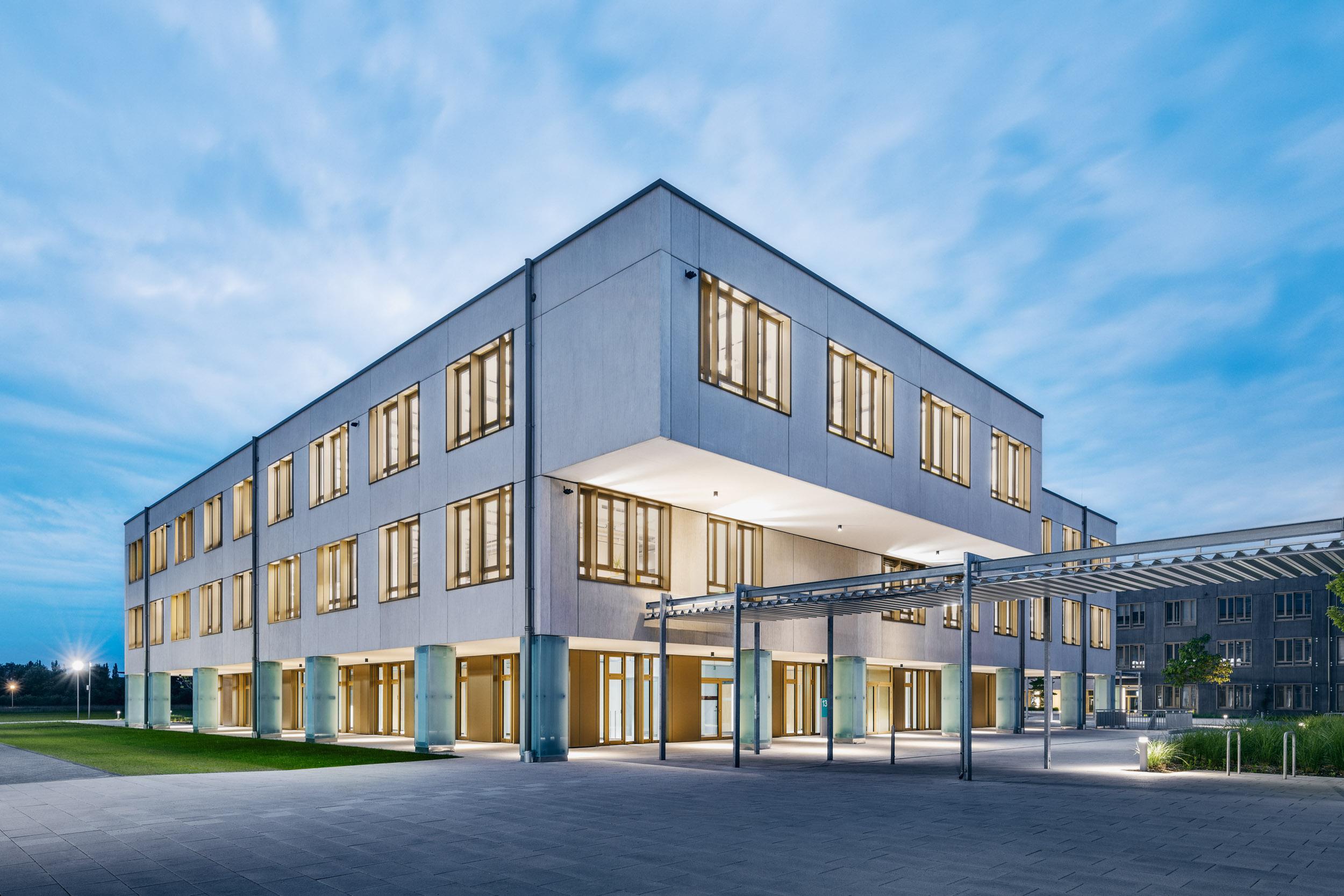 Gustav-Epple-Bauunternehmung-Campeon-München-Infineon_BA2_MLX7025#02