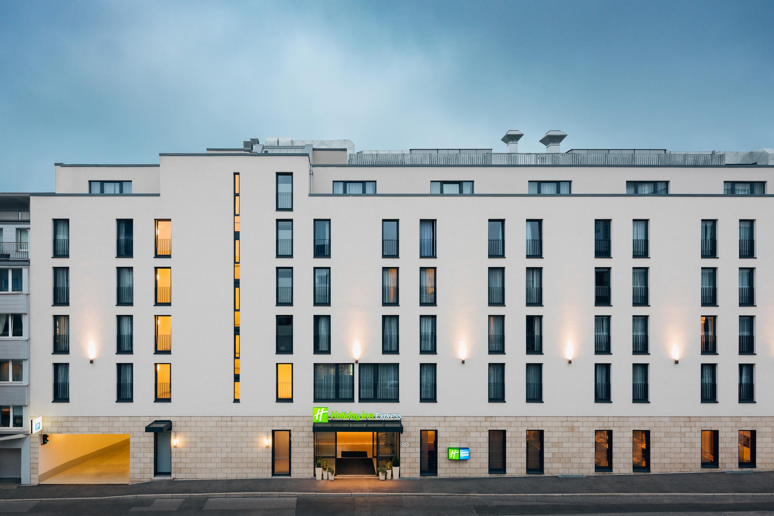 Gustav-Epple-Bauunternehmung-Holiday-Inn-Duesseldorf-MLX6967