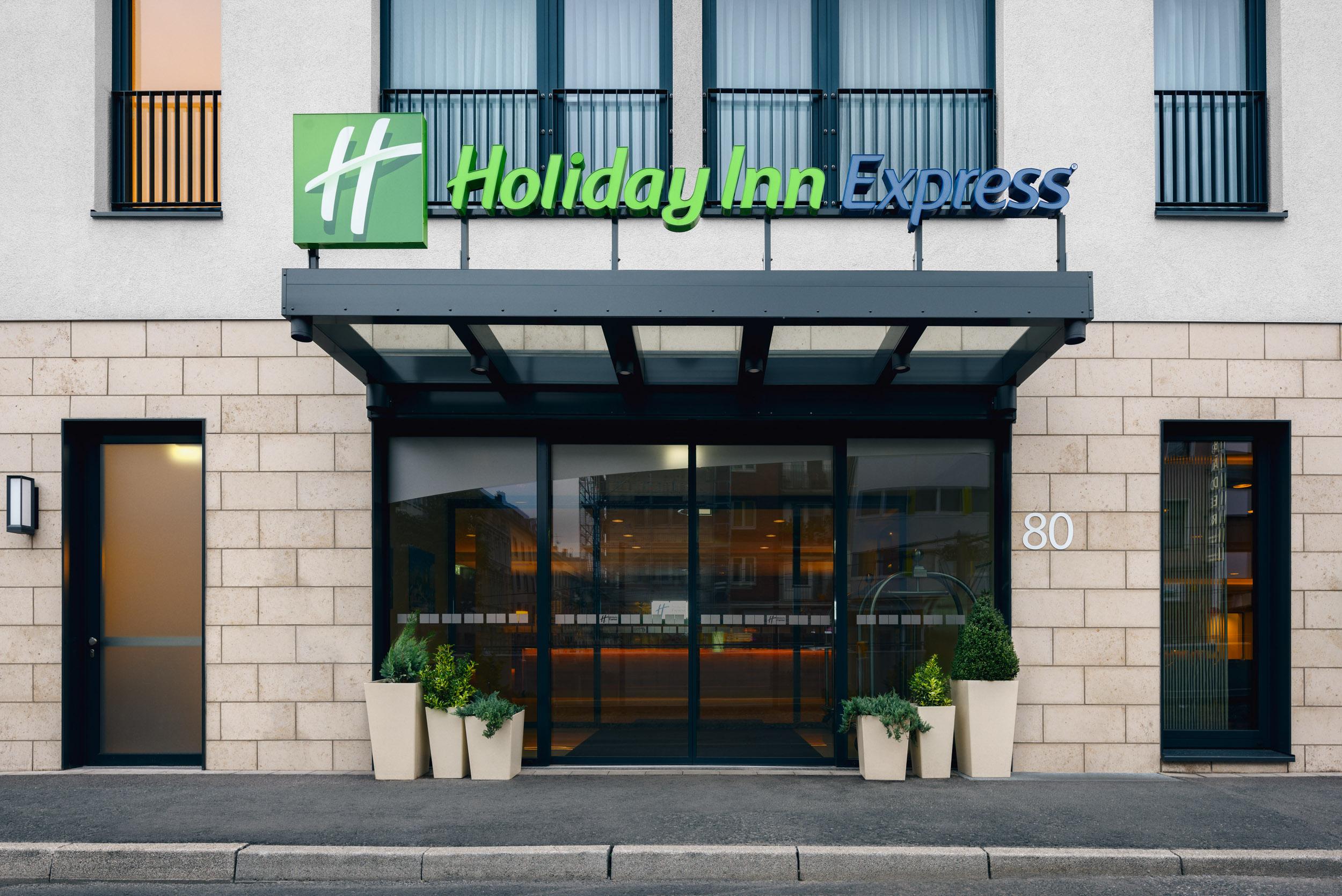Gustav-Epple-Bauunternehmung-Holiday-Inn-Duesseldorf-MLX6996