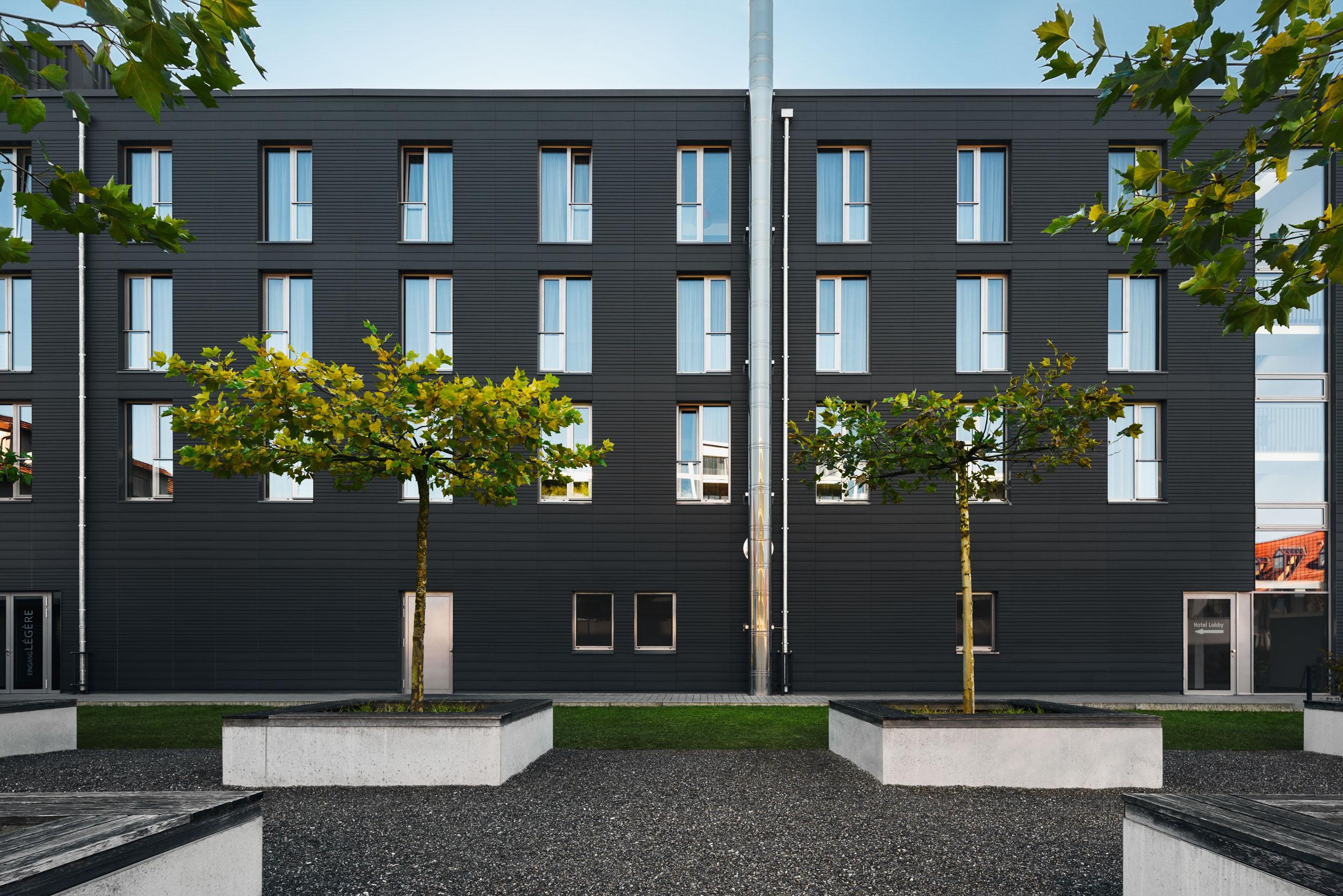 Gustav-Epple-Bauunternehmung-Legere-Hotel-Tuttlingen-MLX8400