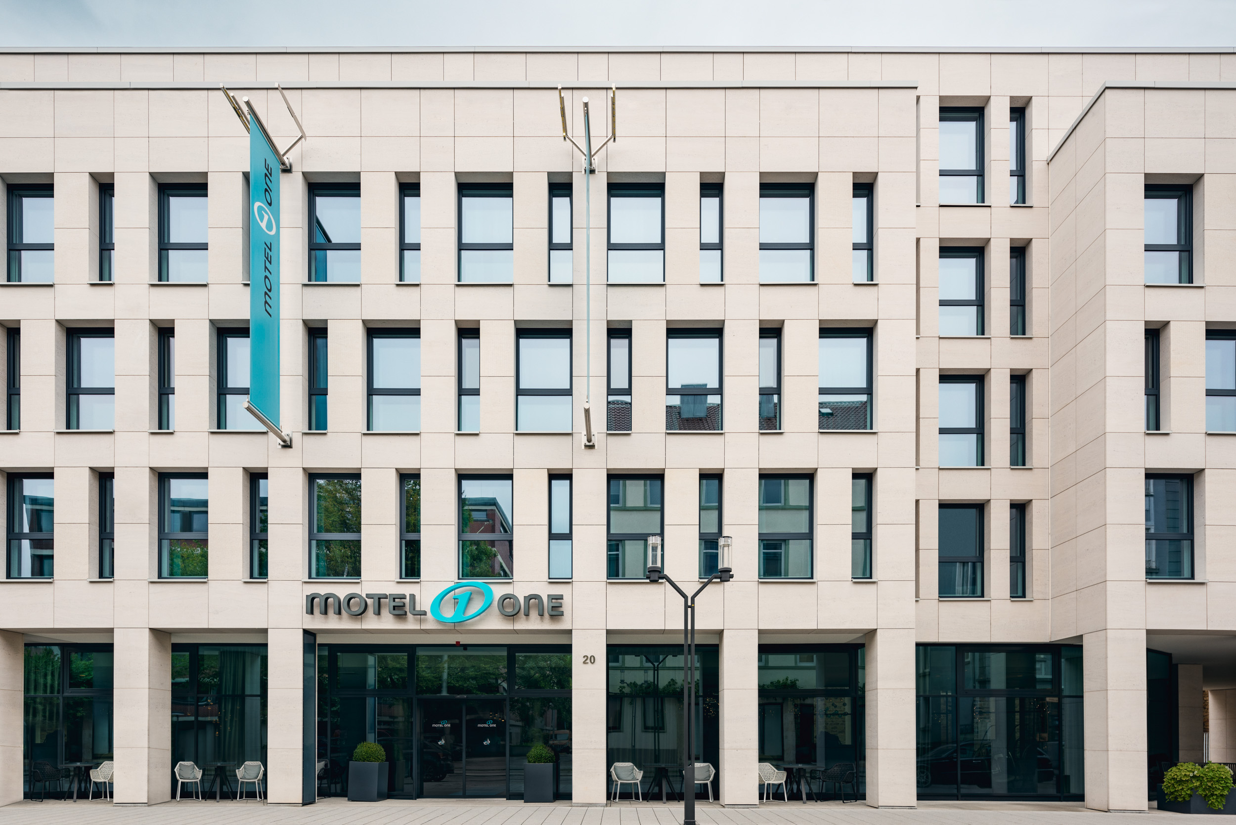 Gustav-Epple-Bauunternehmung-Motel-One-Bad-Cannstatt-MLX7209