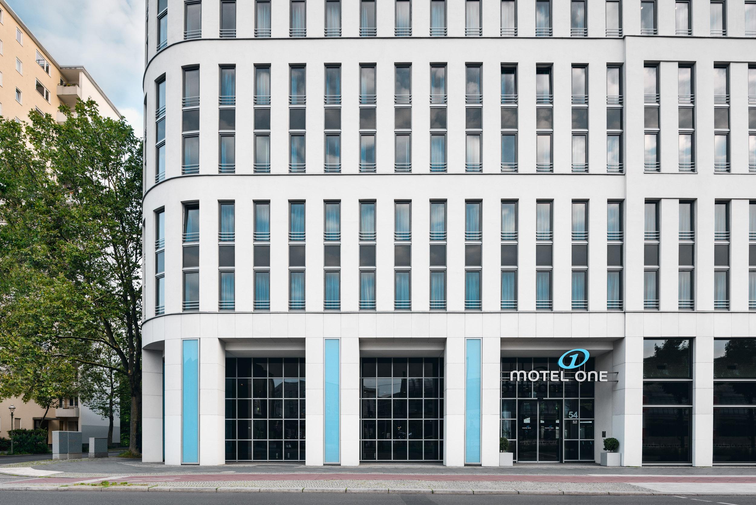 Gustav-Epple-Bauunternehmung-Motel-One-Berlin-HBF-MLX6331