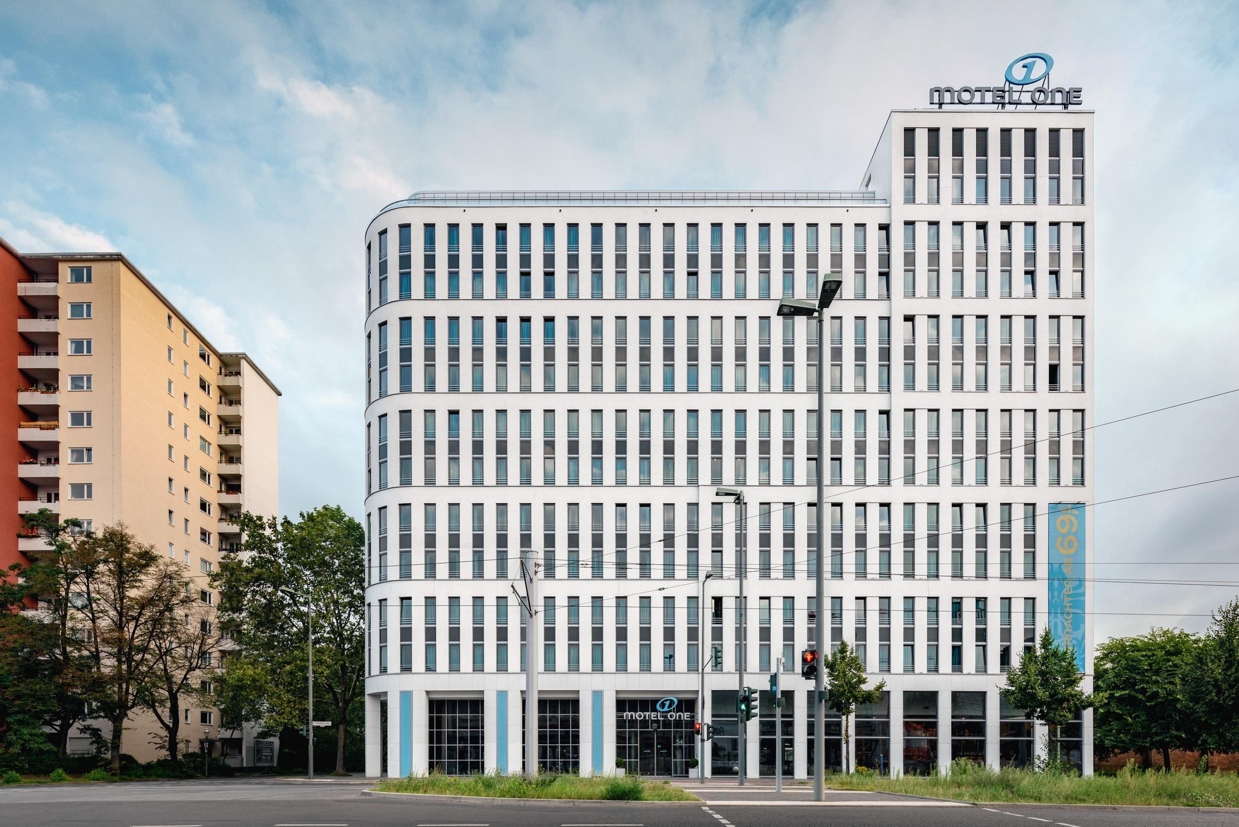 Gustav-Epple-Bauunternehmung-Motel-One-Berlin-HBF-MLX6337