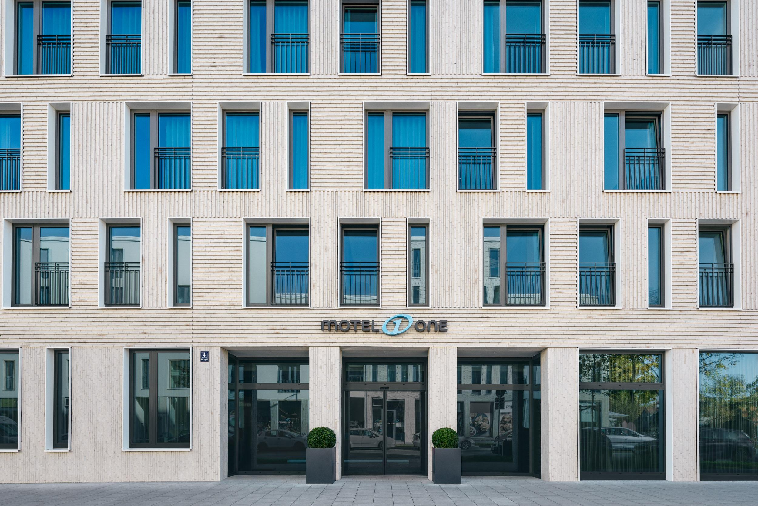 Gustav-Epple-Bauunternehmung-Motel-One-München-Olympiagate-MLX8572