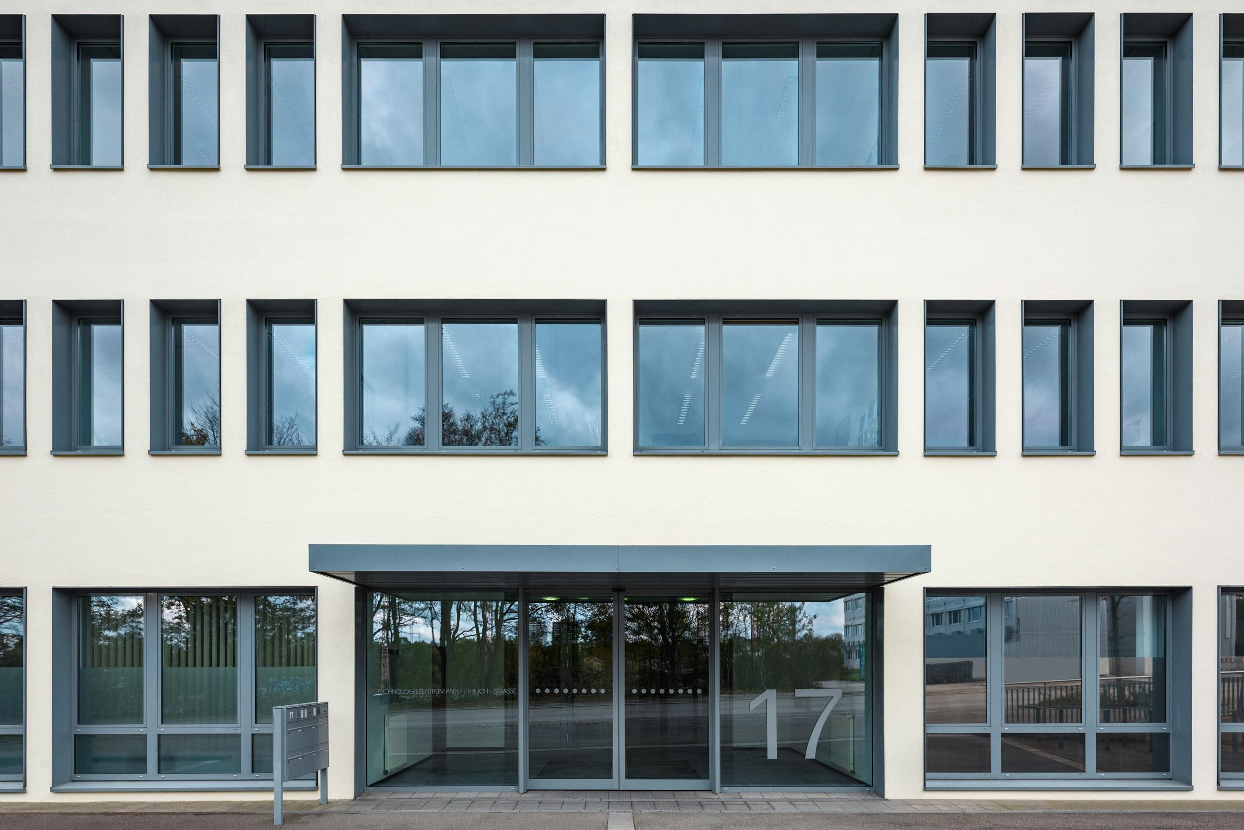 Gustav-Epple-Bauunternehmung-Tübingen-Biotech_MLX8370#00